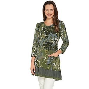 Logo Lounge Floral Terry Printed Top Pleated Trim